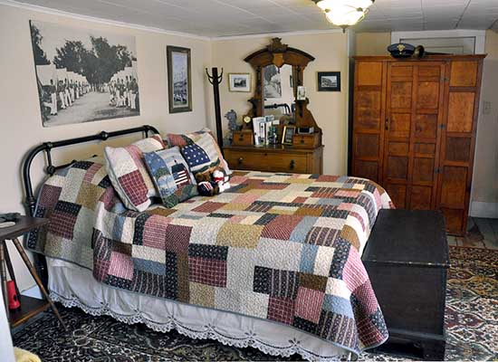 Pet Friendly B&B West Point Room